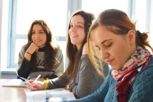 language school, team, interns-834138.jpg